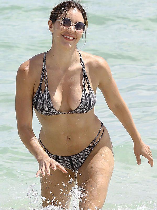 Mary Mccormack Bikini photo 18
