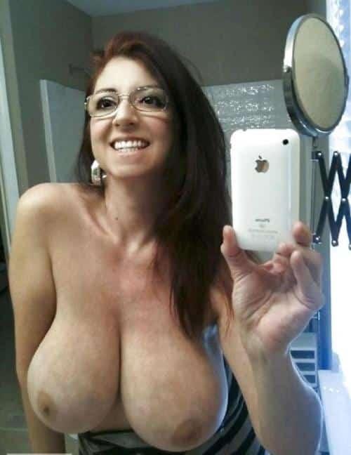 Mature Selfie Tits photo 26