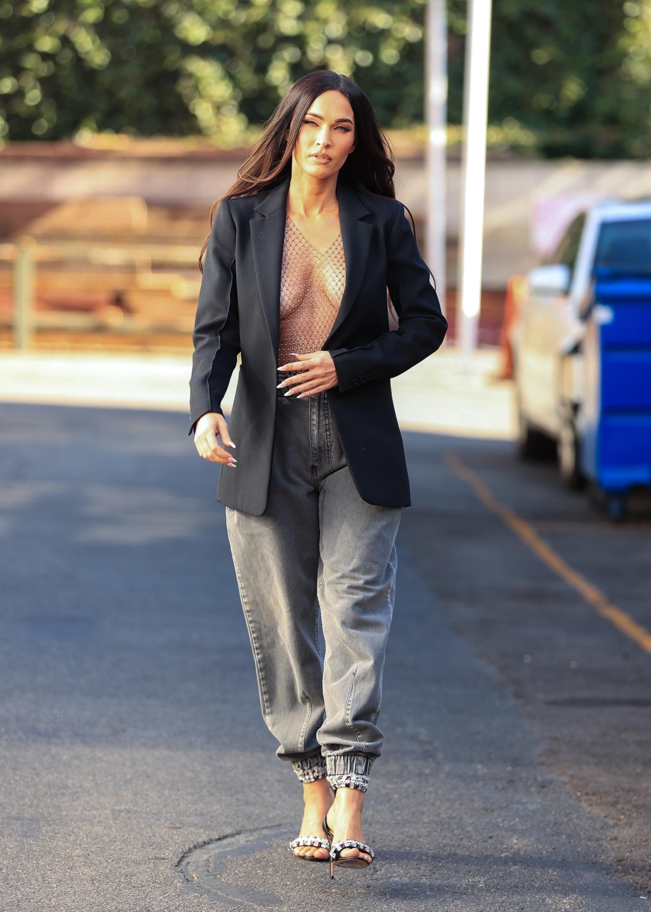 Megan Fox Braless photo 13