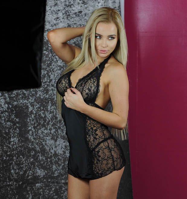 Melissa Reeves Hot photo 23