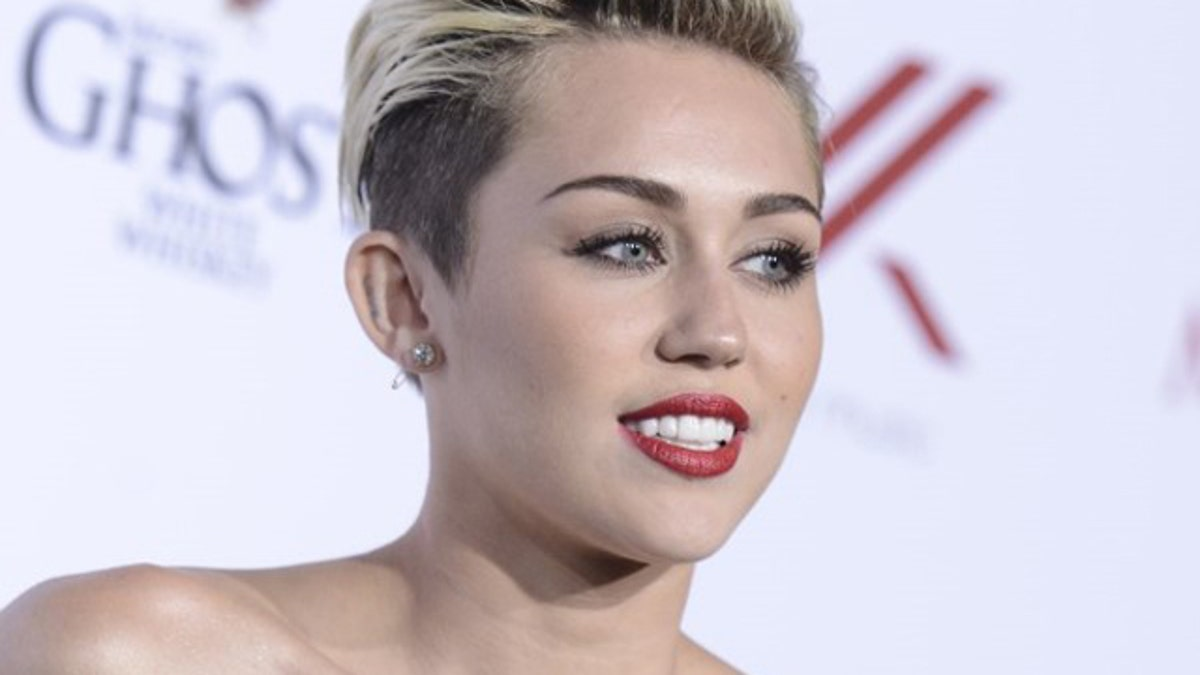 Miley Cyrus Frontal photo 2