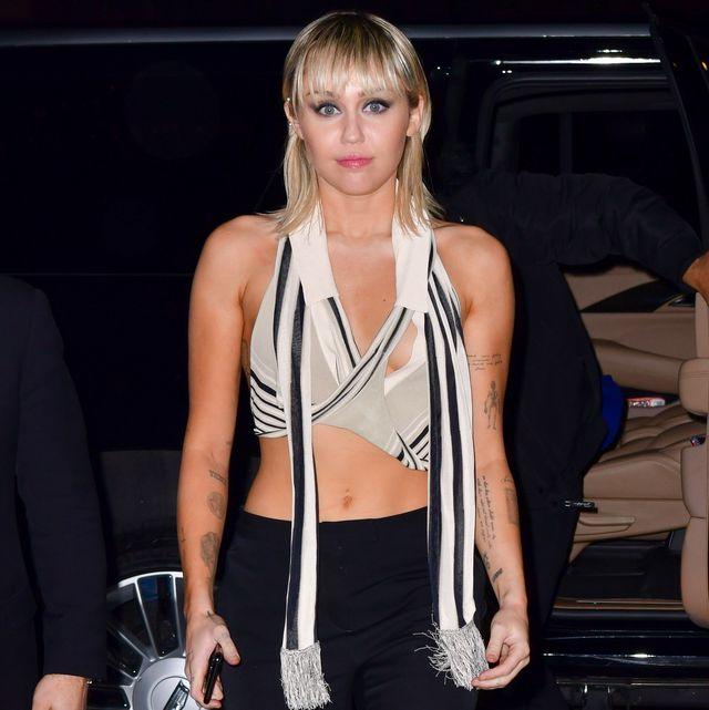 Miley Cyrus Nip Slip Video photo 25