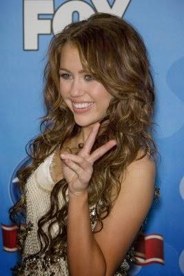 Miley Cyrus Upskirt Pussy photo 8