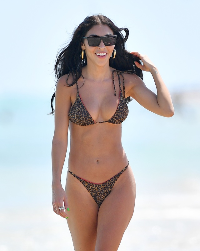 Morena Baccarin Bathing Suit photo 13