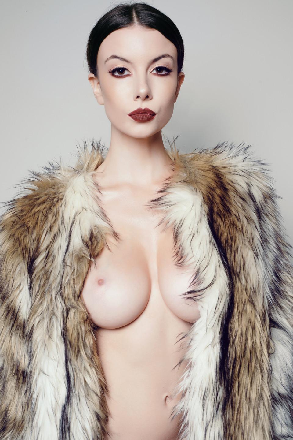 Olivia Rose Keegan Nude photo 4