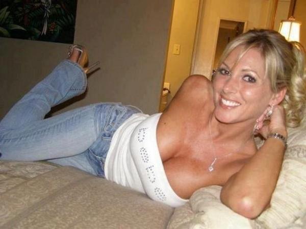 Pretty Blonde Milf photo 14