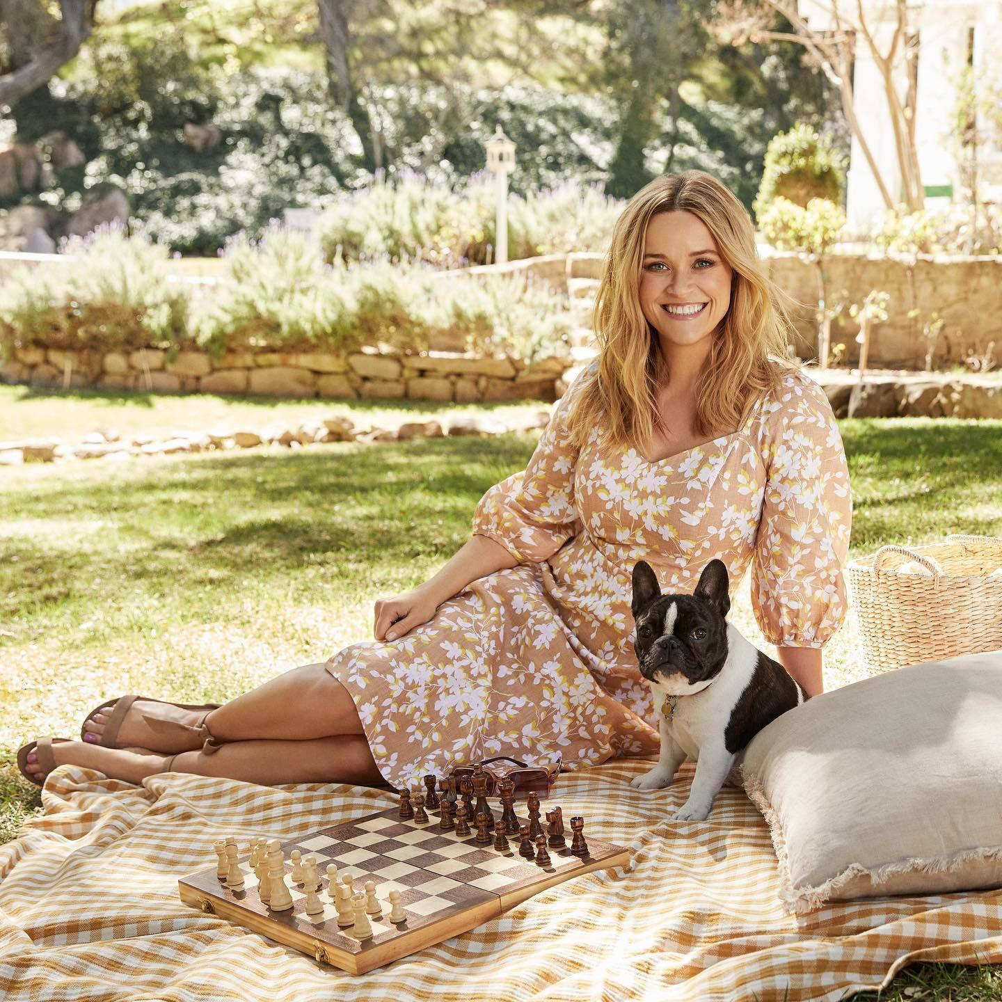 Reese Witherspoon Soles photo 4
