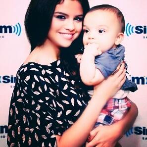 Selena Gomez Private Photos photo 9