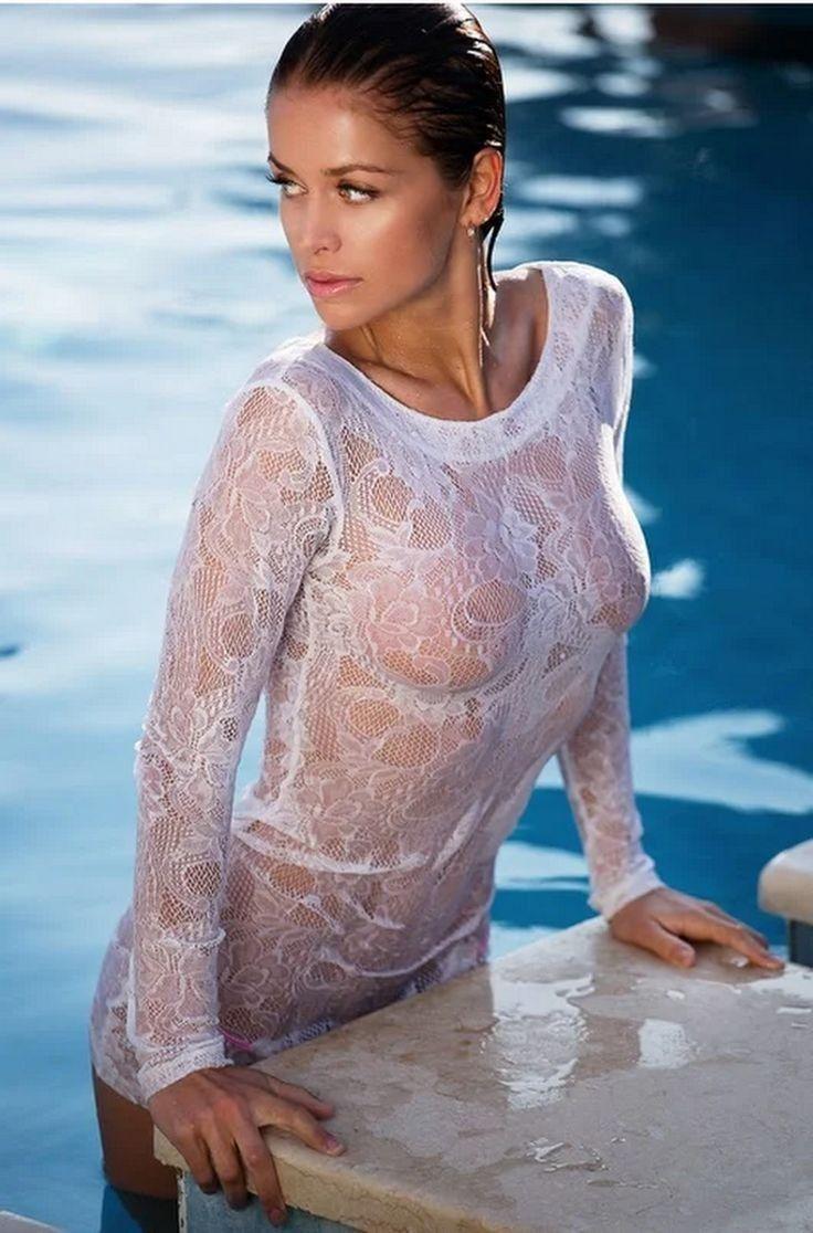 Sexy Joanna Krupa photo 7