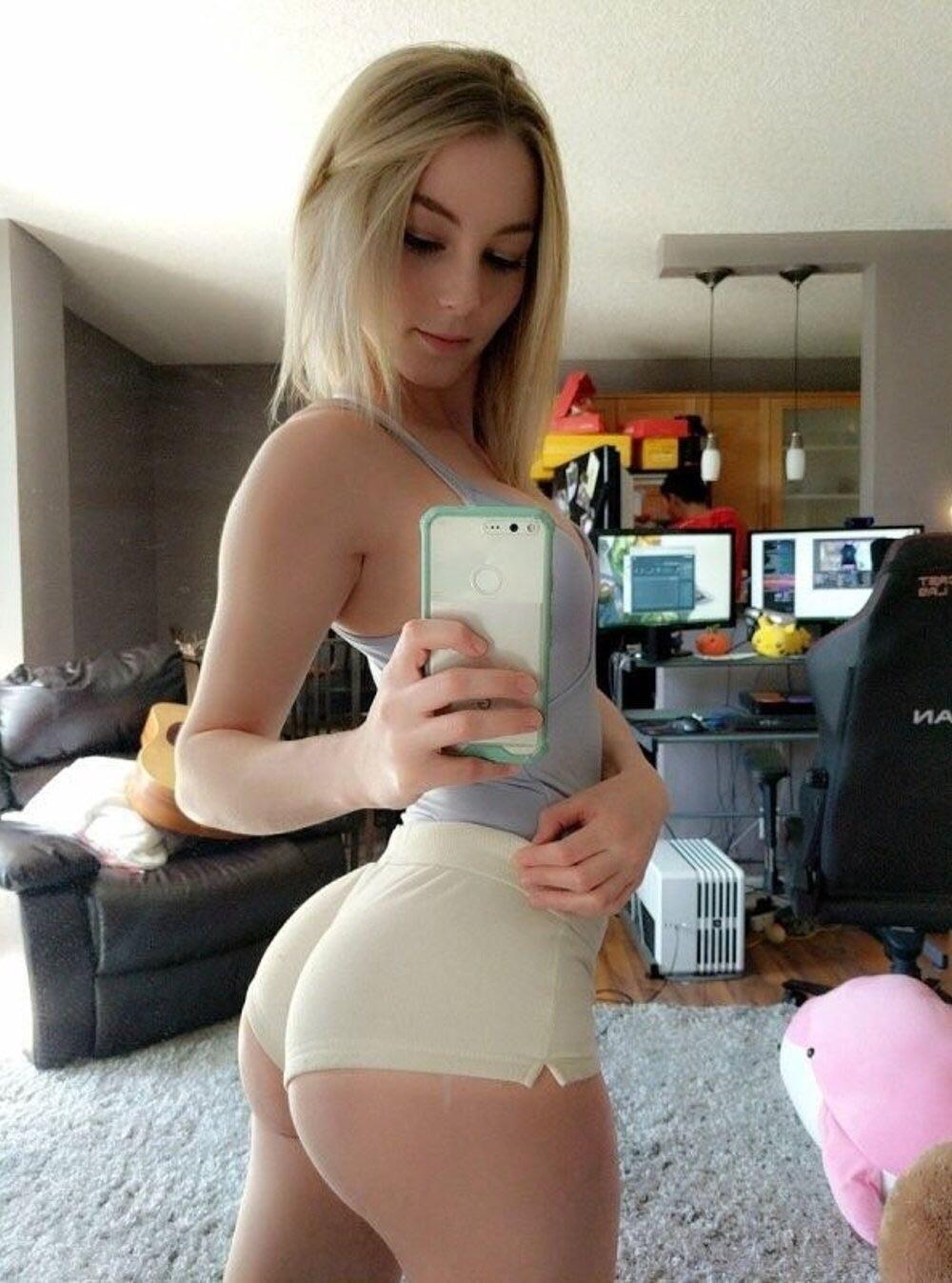 Sexy Teen Girlfriend photo 3