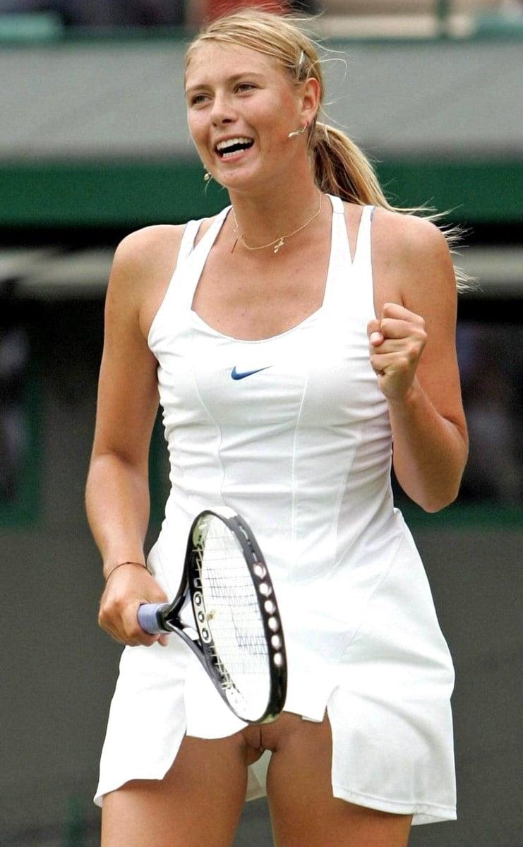 Sharapova Topless photo 28