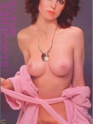 Sigourney Nude photo 1