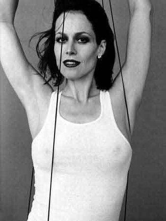 Sigourney Weaver Hot Photos photo 17