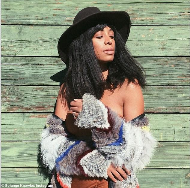Solange Knowles Cameltoe photo 3