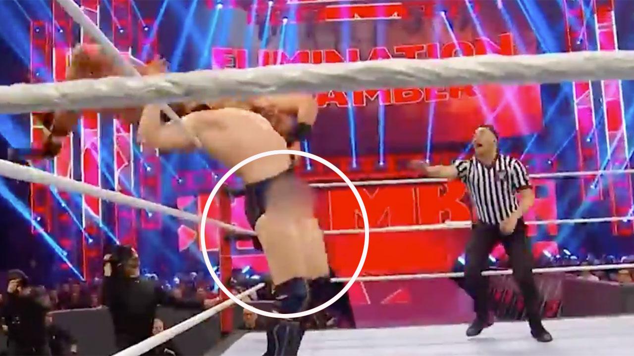Wrestling Wardrobe Fails photo 9