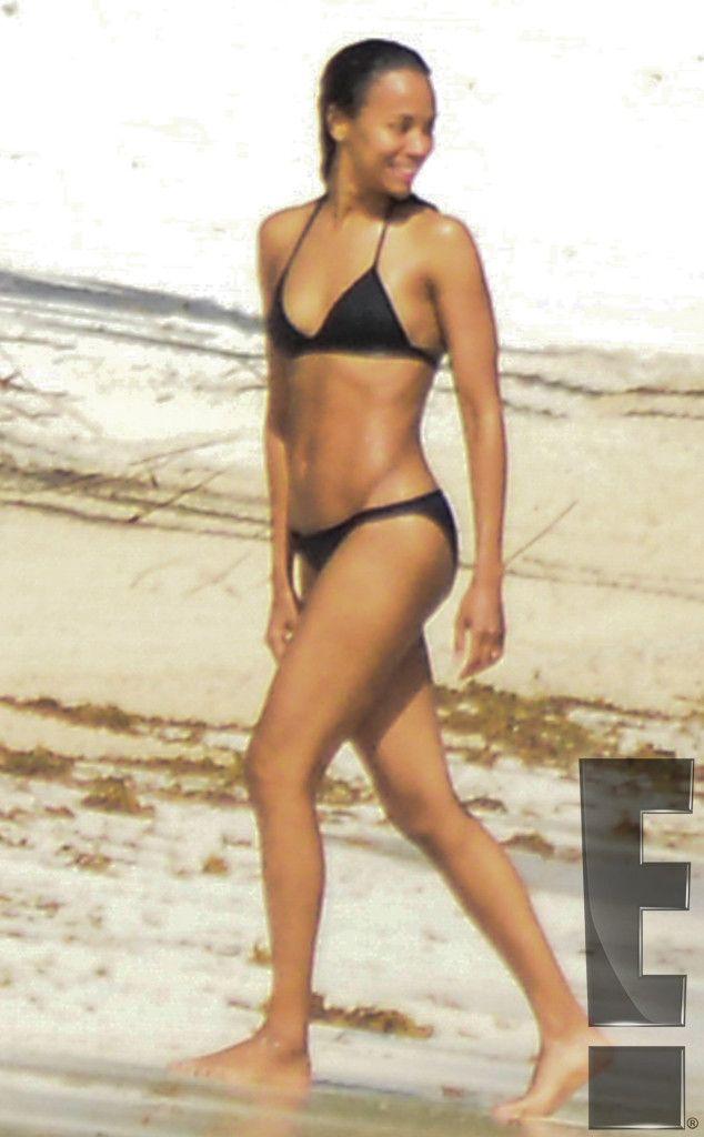 Zoe Saldana In A Bikini photo 17